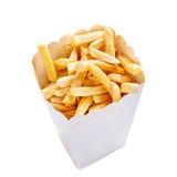 Patatas fritas en una bolsa de papel aislada en un fondo blanco Imagen de archivo