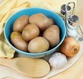 Patatas hervidas en la placa Foto de archivo libre de regalías