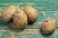 Patatas sucias frescas Fotos de archivo