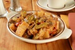 Patatas y verduras del filete Fotografía de archivo libre de regalías