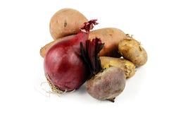 Patate douce avec les betteraves, l'oignon et les pommes de terre Photos libres de droits