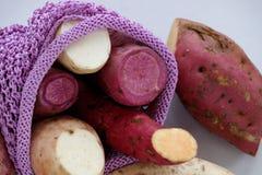 Patate douce de diversité sur le fond blanc Photos stock