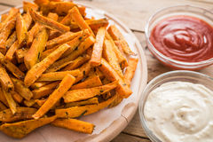 Patate douce saine, fritures cuites au four Images stock