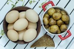 Patate ed uova immagini stock libere da diritti