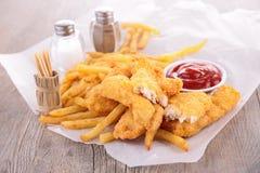 Patate fritte e pollo fritto immagine stock libera da diritti