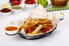 Patate fritte miste, strisce del pollo Fotografia Stock Libera da Diritti