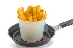 Patate fritte in scatola bianca con ketchup Fotografia Stock Libera da Diritti