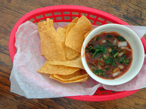 Patatine fritte e salsa fotografia stock