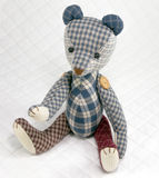 Patchwork d'ours d'isolement sur le fond blanc Images stock
