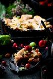 Patchwork truskawka i agresta kulebiak Ciemna fotografia Zdjęcie Stock