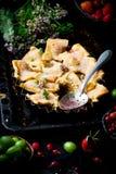 Patchwork truskawka i agresta kulebiak Ciemna fotografia Zdjęcia Royalty Free