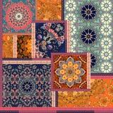 Patchworkmuster Stilisiert Blumen Indische, arabische, marokkanische Motive Ethnischer Druck für Gewebe stock abbildung