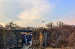 Paterson Great Falls på en solig afton Arkivbild