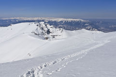 Path on a mountain plateau in winter Royalty Free Stock Photos
