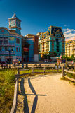 Path over sand dunes and buildings along the boardwalk in Atlant Royalty Free Stock Photos