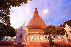 Pathommachedi de Phra, le stupa le plus grand au monde Images libres de droits