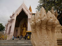 Pathommachedi en stupa i Thailand Royaltyfria Bilder