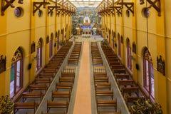 PATHUMTANI, ТАИЛАНД - 28-ОЕ ФЕВРАЛЯ: Интерьеры католического c стоковое изображение rf