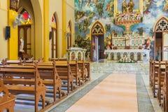 PATHUMTANI, TAILANDIA - 28 DE FEBRERO: Los interiores de c católica Fotografía de archivo