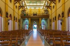 PATHUMTANI, TAILANDIA - 28 FEBBRAIO: Gli interni della c cattolica Fotografia Stock Libera da Diritti