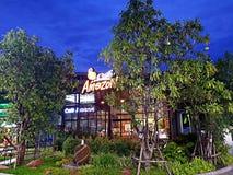 Pathumthani, TAILANDIA - 8 de junio de 2018: Tienda de la bebida del Amazonas del café en la estación del aceite del PTT fotografía de archivo