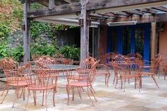 Patia położenie Z stołami i krzesłami Zdjęcia Stock