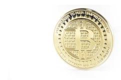 Patience bitcoin Münze, die auf schwarzen Hintergrund legt stockbilder