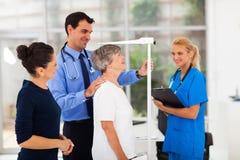 Patient de médecin généraliste Images libres de droits