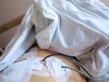 Patient i sjukhus efter kirurgi med dränering Arkivbilder