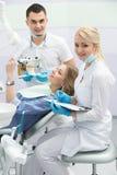 Patient i tandläkekonst Arkivfoto
