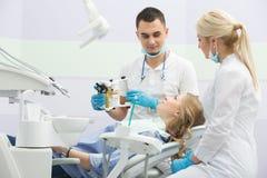 Patient i tandläkekonst Royaltyfri Bild