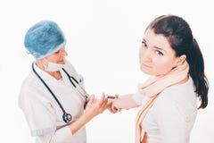 Patient mit Nadelphobie Stockbild