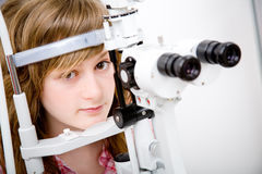 Patient in ophthalmology labor Royalty Free Stock Photos