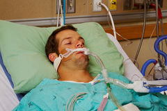 Patient på respirator Royaltyfri Foto