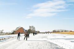 Patinage de glace dans le countyside des Pays-Bas Photos libres de droits