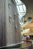 Patinage de glace dans le mail de Dubaï, Dubaï, Emirats Arabes Unis Images libres de droits