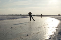Patinage de glace sur la glace normale en Hollandes Image libre de droits