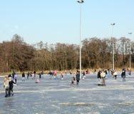 Patinage sur la patinoire Images libres de droits