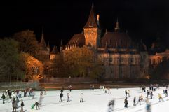 Patinagem de gelo em Budapest fotografia de stock