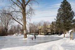 Patinagem no gelo dos povos em Ste-Rosa Laval fotos de stock royalty free