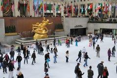 Patinaje de hielo de centro de Rockefeller Fotografía de archivo libre de regalías