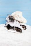 Patins de gelo com tampão Imagem de Stock