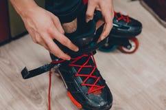 Patins et chaussures de rouleau images libres de droits
