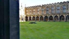 Patio à l'intérieur d'un château anglais Photos stock