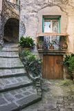 Patio στην παλαιά πόλη στη Γαλλία Στοκ Εικόνες