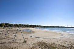 Patio abandonado en la playa Imagen de archivo