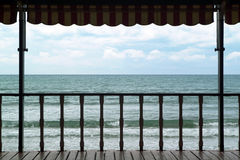 Patio auf dem Meer Lizenzfreie Stockfotos