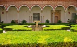 Patio dans le musée des beaux-arts Séville Image stock