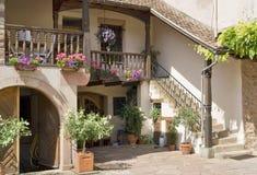 Patio de Alsacia imagen de archivo libre de regalías