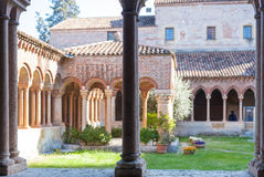 Patio de Basilica di San Zeno en la ciudad de Verona Fotografía de archivo libre de regalías